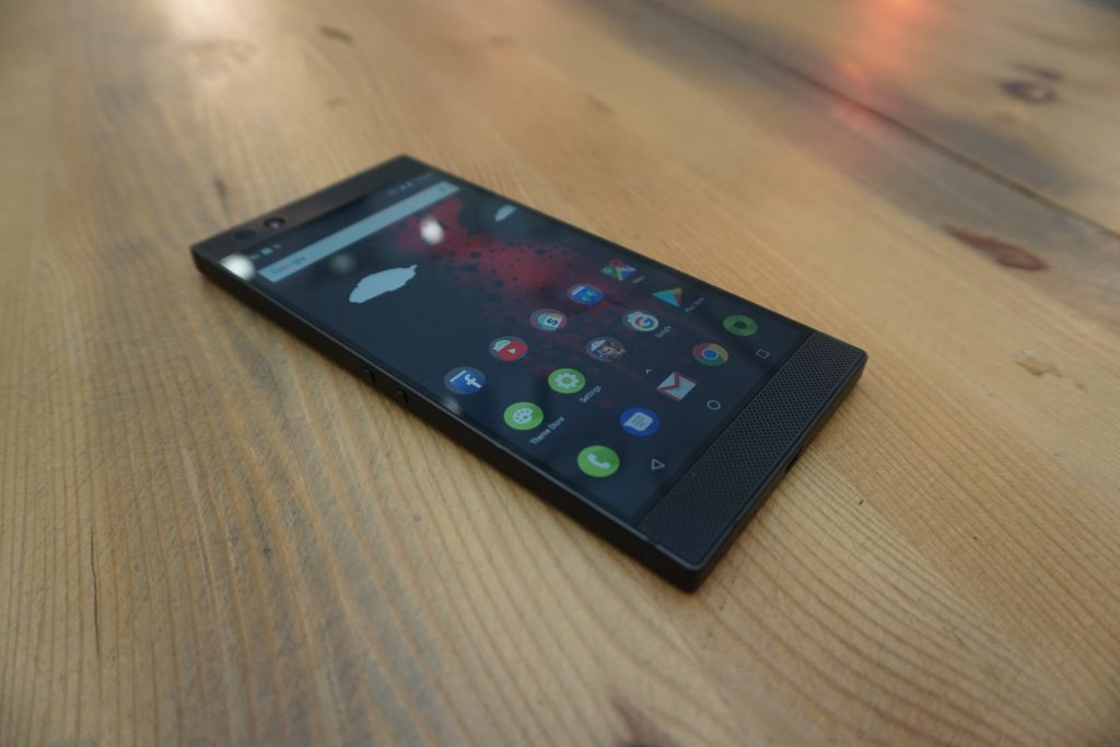 Razer-Phone-three-quarters-1024×683